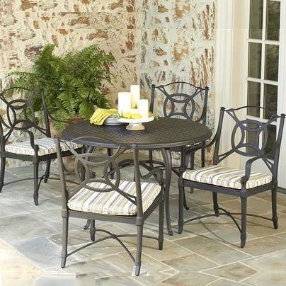 casual patio furniture