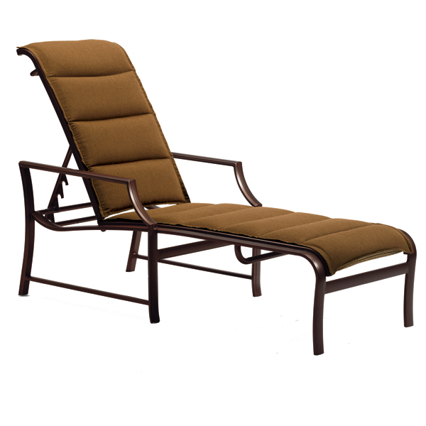 Windsor padded chaise lounge by tropitone family leisure for Chaise windsor