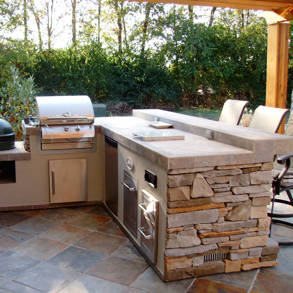 Custom Outdoor Stone Grill Islands And Outdoor Rooms Family Leisure